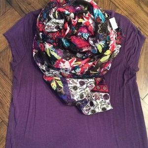 🆓 Mixed print infinity scarf with FREE tee!